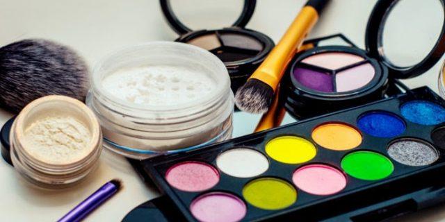Cara Memilih Kosmetik Aman Di Grosir Produk Kecantikan